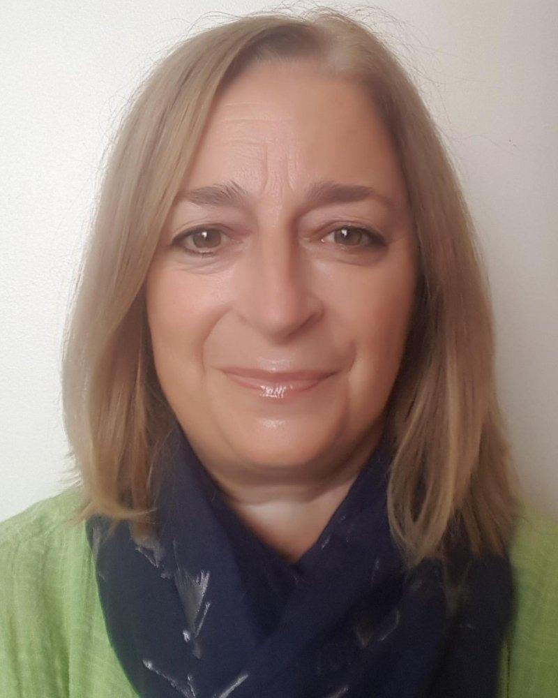 Liz Bowes